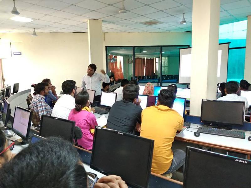 Training Institute for Sale in Noida, India seeking INR 5 lakh
