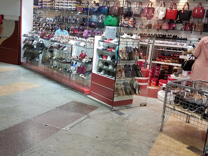 Profitable Bag Retailer for Sale in Ajman, United Arab Emirates