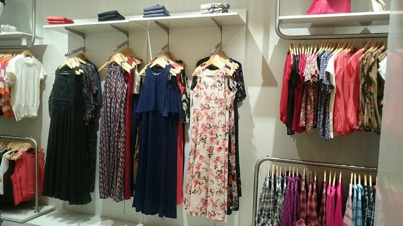 c7e0400c98d3e Multi Outlet Women's Apparel Store for Sale in Mumbai, India seeking ...