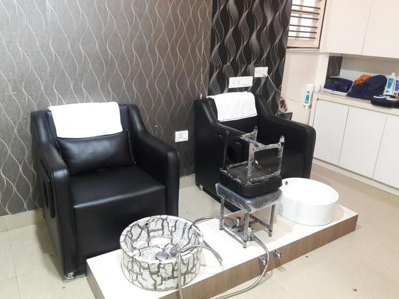 Beauty Salon for Sale in Bangalore, India
