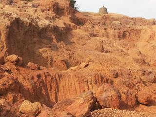 Govt. approved bauxite mine with rich mineral deposits needs funding to renew the license.
