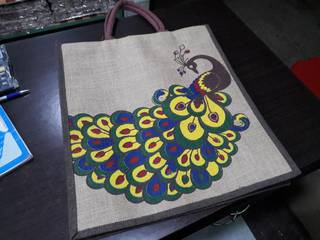 Contract manufacturers of jute bags having 15 regular B2B clients.
