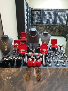 For Sale: Store situated in a shopping mall in Bangkok selling fashion jewelry.