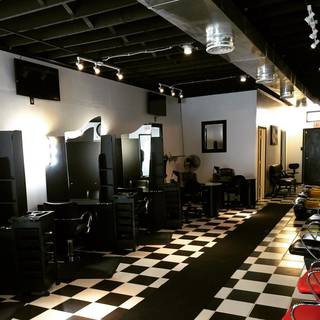 Beauty salon in Detroit having 70+ weekly clients, seeking funds for expansion.