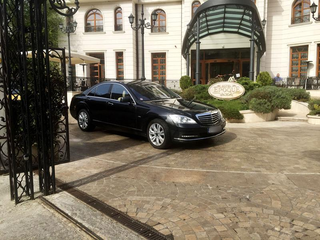 Professional ground transportation & chauffeured limousine service provider having 18 vehicles and operating since 2007.