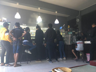 Vape store based in Sanur, Bali, receiving more than 100 customers on a daily basis.