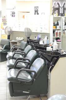 Full service beauty salon and spa based in Saskatoon, receiving 30-40 customers daily.