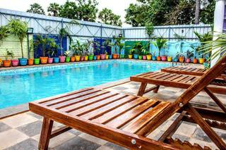 Resort located in Pondicherry with 10 rooms, receiving more than 6 daily bookings.