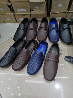Footwear wholesale business in Dubai with its own brand, seeks working capital to accommodate orders.