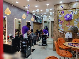 For Sale: Stylish beauty salon located in Infocity area of Bhubaneswar & two beauty vans.