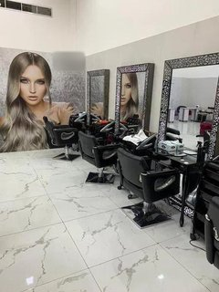 For Sale: Functional ladies beauty salon for sale in Business Bay with 12 - 20 daily customers.