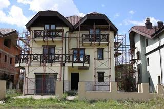 Newly constructed resort village with 11 houses, 2 hotels, located amidst nature in Kolasin.
