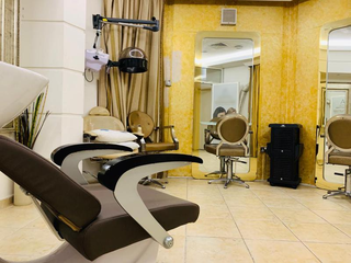 For Sale: Ladies salon offering 115 beauty services and has a 7,000 active customer database.