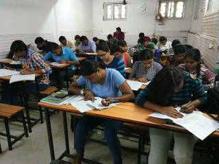 Coaching institute for banking exams currently having 250 students and 5 teachers.