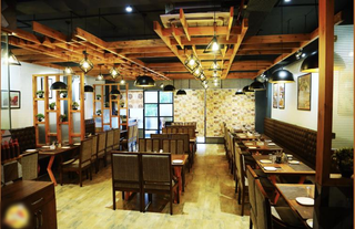 Strategically located franchise outlet of a well know international restaurant brand for sale.