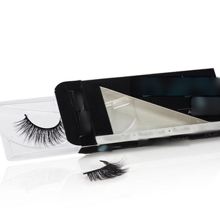 Spa & retail of custom individual eyelash extensions, beauty and cosmetics products.