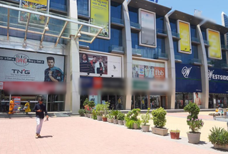 For Lease: 650 sqft shop on the ground floor of a shopping mall in Bhavnagar.
