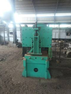Rolling mill machinery with gear size 8.5 inches, production capacity of 30 tonnes / day.